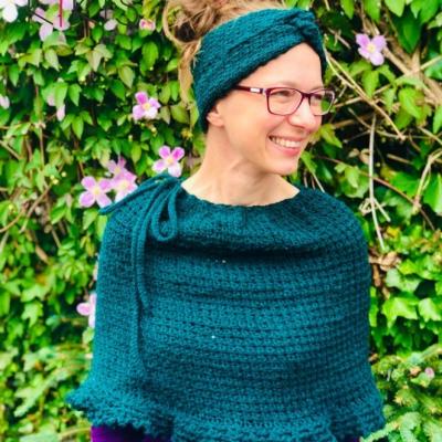 Dámske pončo - Tuniský smaragd, vhodné i pre dámy so špeciálnymi potrebami♿️