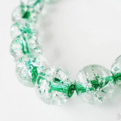 Praskané korálky so zeleným prieťahom 12 mm