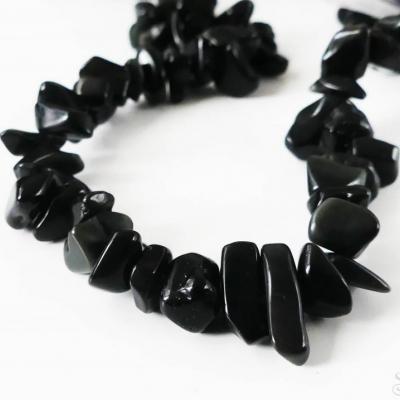 Čierny ónyx úlomky 4-9 mm - 10 cm