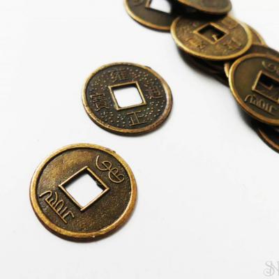 Bronzová čínska minca prívesok 10 ks