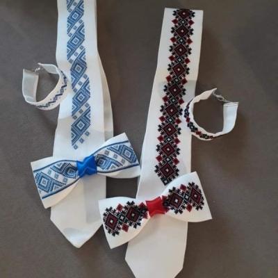 Sada kravata a motýlik