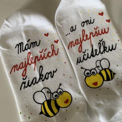 Maľované ponožky pre najlepšiu pani učiteľku včielok ❤️