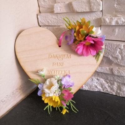 Kvetinove srdce pre uciteľku, učiteľa, vychovávateľku