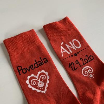 Maľované ponožky pre ženícha