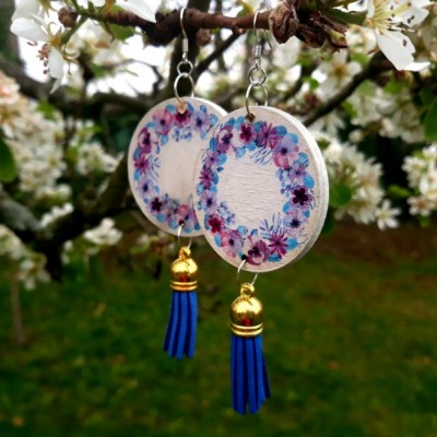 Visiace naušnice - modý kvet