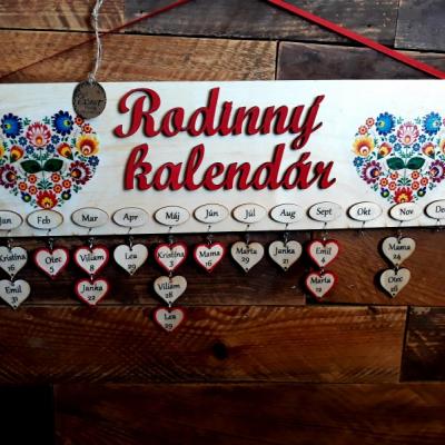 Drevenný rodinný  kalendár