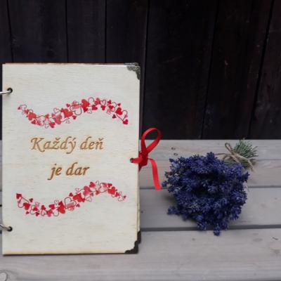 Zápisník každý deň je dar