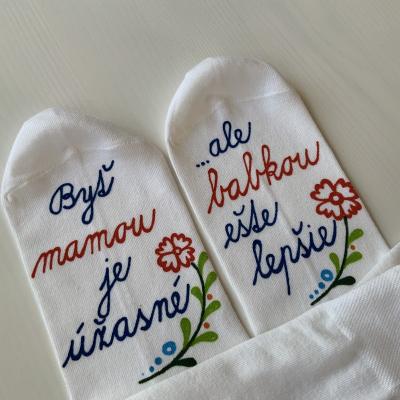 Maľované ponožky pre šťastnú mamu a babku (folk)