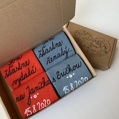 Maľované ponožky s nápisom: