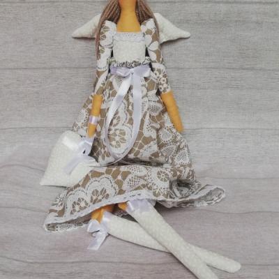Anjel béžovo-biela čipka