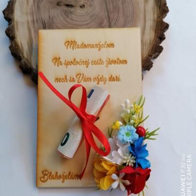 Kvetinove drevené pohľadnice na finančny dar