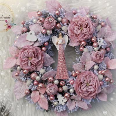 Zimný veniec s anjelom ružovo-biely 40cm