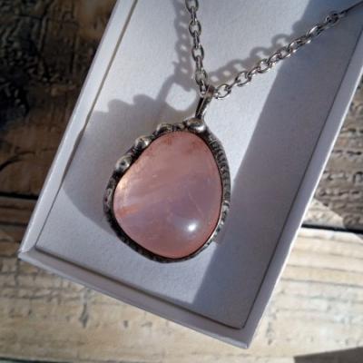 Ruženínový náhrdelník