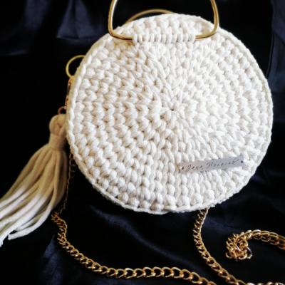 Háčkovaná okrúhla kabelka