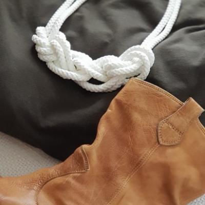 Lanový náhrdelník  biela