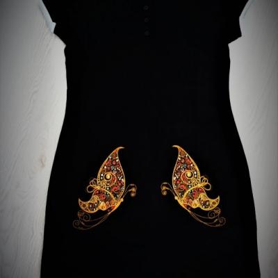 Vyšívané šaty s motýľmi