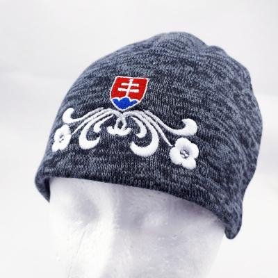 Dámska Čiapka so Slovenským Znakom