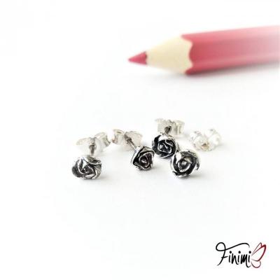 SKLADOM: Náušničky ružičky