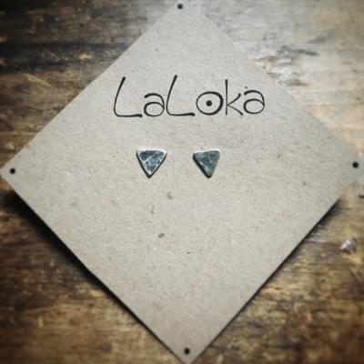 Minimalistické napichovačky Trojuholníky tepané