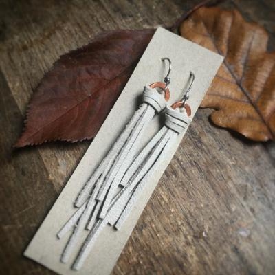 Strapcové náušnice Meď & Koža