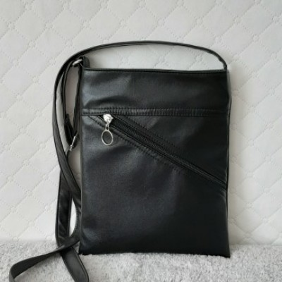 Crossbody kabelka s vreckom