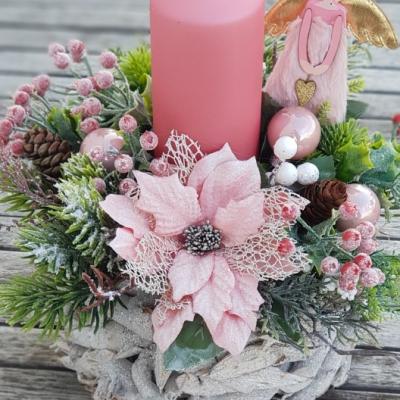 Ružový svietnik