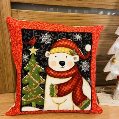 Vianočný vankúšik Medveď
