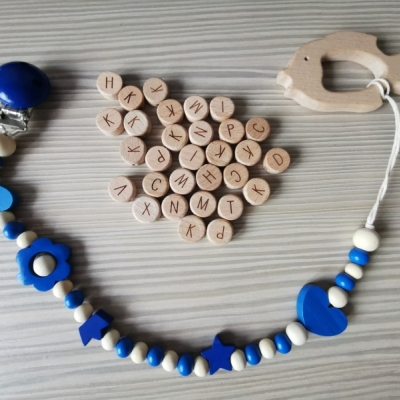 Retiazka na cumlík s dreveným hryzátkom