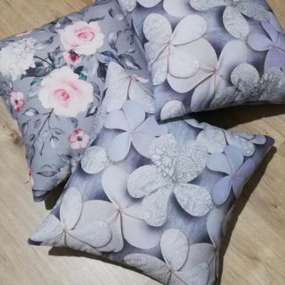 Obliečky na vankúšik- šedo strieborná (kvety)