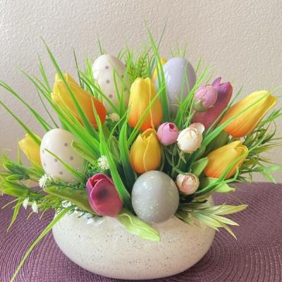 Tulipány.  Veľkonočná dekorácia