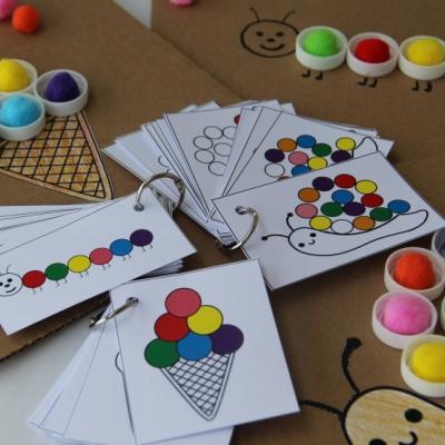 Hra  húsenička, zmrzlinka, slimáčik - rozvoj zrakového vnímania, seriality, farieb...