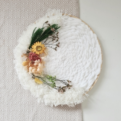 Pohladenie (na duši) - biele so sušenými kvetmi