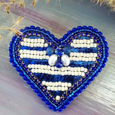 Srdcomilka prúžkovaná-brošňa v tvare srdca