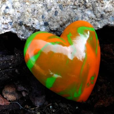 brošňa dúhové srdce