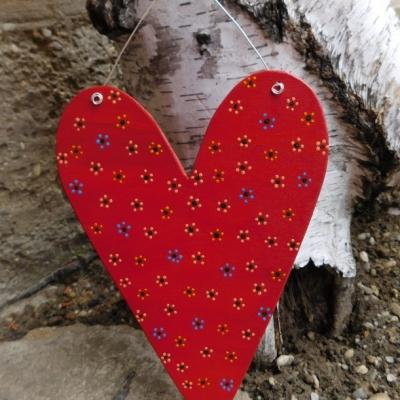 maľované veľké drevené srdce kvietky