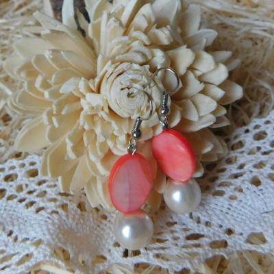 lososové perleťové náušničky