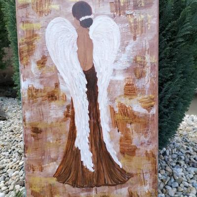 Anjel strážny v hnedej zemitej farbe