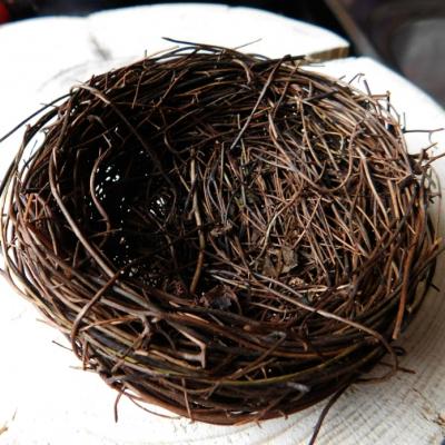 Prútené hniezdo na dekoráciu