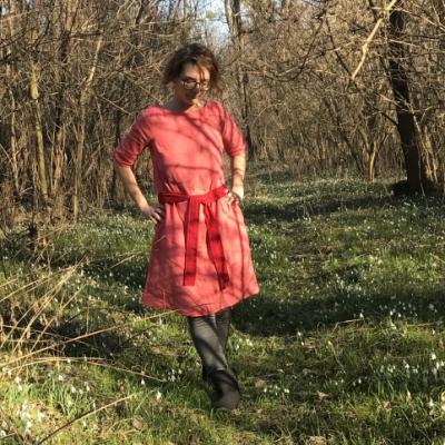Pohodová - dámske ľanové šaty