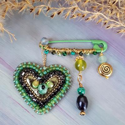 Brošňa Laskominka-Keď sa láska zelená