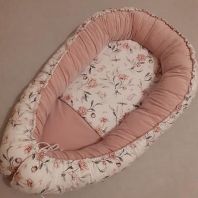 Hniezdo pre bábätko - ružičky a zajačiky