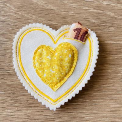Srdiečko na darovanie žlté