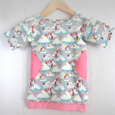 dievčenské šaty s jednorožcami