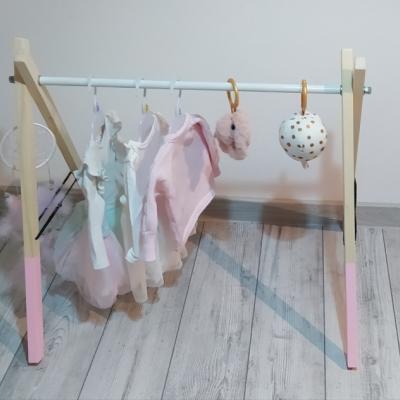 Drevená hrazdička pre bábätká
