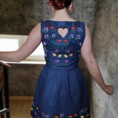 Vyšívane mini šaty