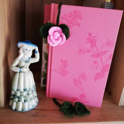 Háčkovaná záložka do knihy - ružička