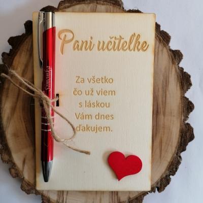 Drevená tabuľka pre uciteľku/učiteľa s gravírovanim perom