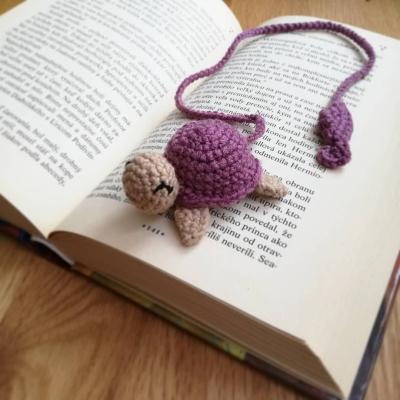 Háčkovaná záložka - korytnačka