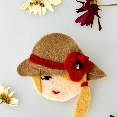 Filcová brošňa - Littletinka Lady