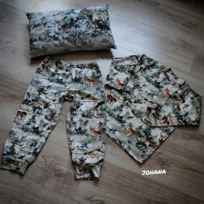 Pyžamko LES